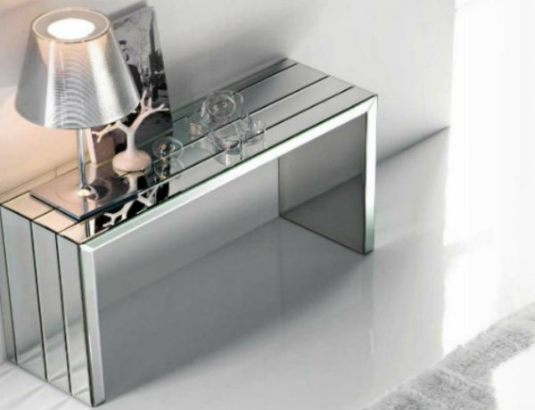 console tables Be Amazed by These Luxury Steel Modern Console Tables mirror modern console tables 1 600x460