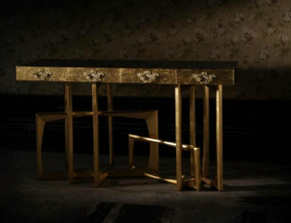 console table 5 tips on How to Choose a Luxury Console Table metropolis 03 1 600x460