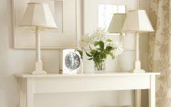 modern console table How To Decorate Your Modern Console Table feat 1 240x150