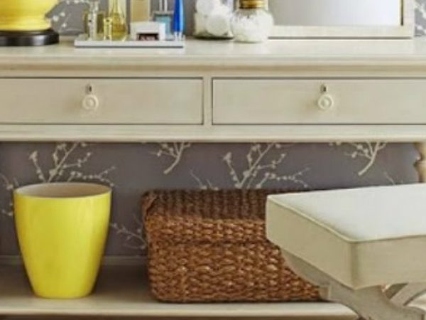 console table 10 Ways to use a Modern Console Table CAPA 1 600x450
