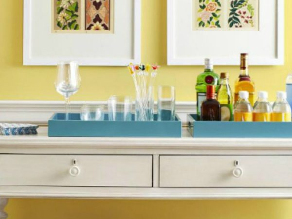 console table How to Match Wall Colors with your Modern Console Table dusted yellow 1 600x450