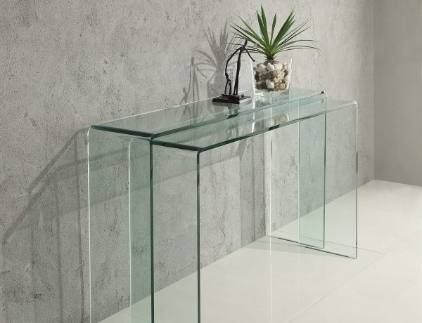 glass console tables Discover 5 Stunning Glass Console Tables glass console 600x460