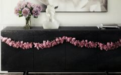 black console tables Black Console Tables and Sideboards For The Most Luxury Home Decor featured 9 240x150