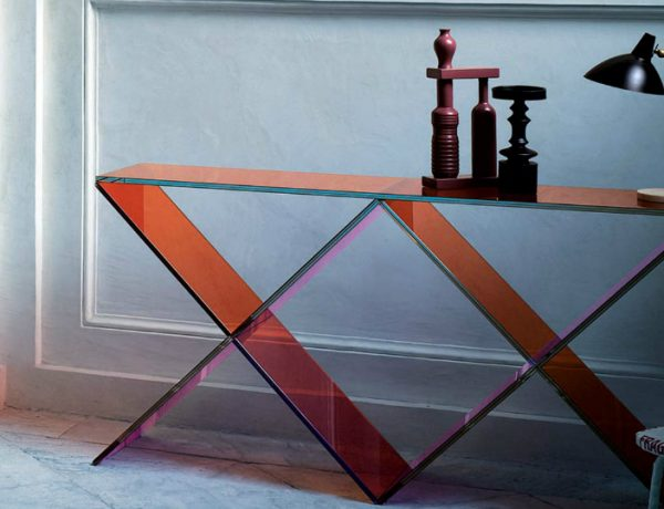 interior design These Glass Consoles Will Reach The Apogee of Your Interior Design xx glas italia featured 1 600x460