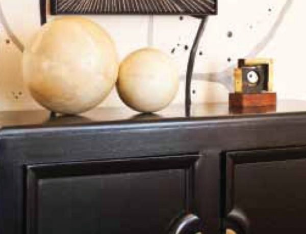 Console Table Ideas By Kelly Wearstler ft console table Console Table Ideas By Kelly Wearstler Console Table Ideas By Kelly Wearstler ft 600x460