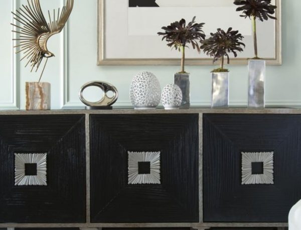console table How To Decorate Your Console Table How To Decorate Your Console Table FT 600x460